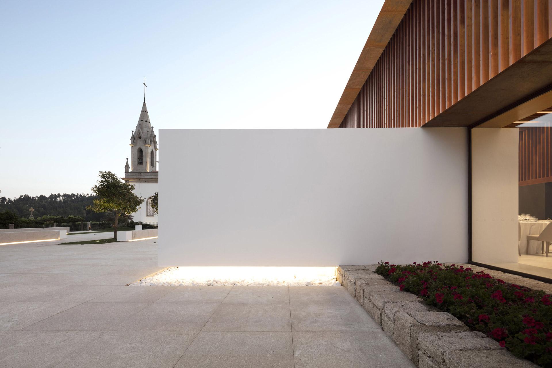 Igreja Velha Palace